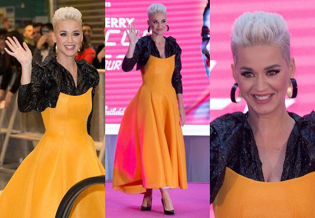 """Katy Perry odpowiada na pytania fanów w """"oryginalnej"""" sukience"""