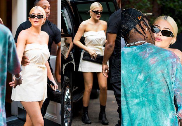 Kylie Jenner w sukience za 5 tysięcy czule żegna się z chłopakiem