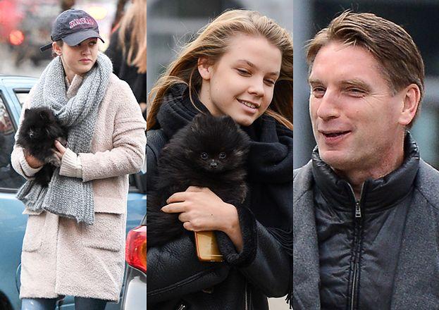 Tomasz Lis na spacerze z córkami i psem (ZDJĘCIA)