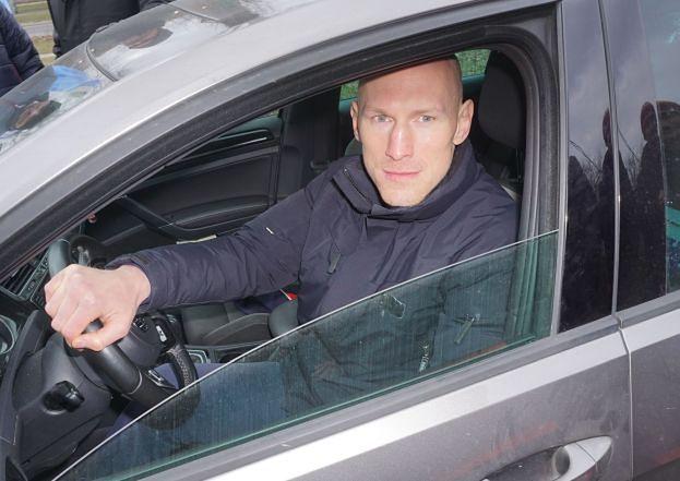 """Krzysztof """"Diablo"""" Włodarczyk znów w formie: bez prawa jazdy prowadził poszukiwany samochód"""
