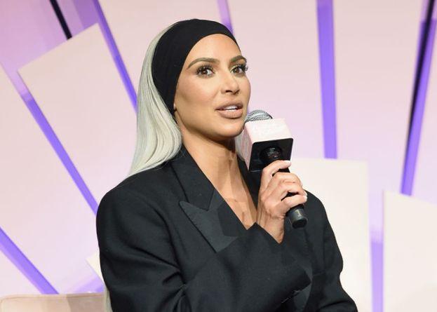 """Kim Kardashian POSZŁA NA STUDIA! """"Jest teraz w szkole prawniczej"""""""