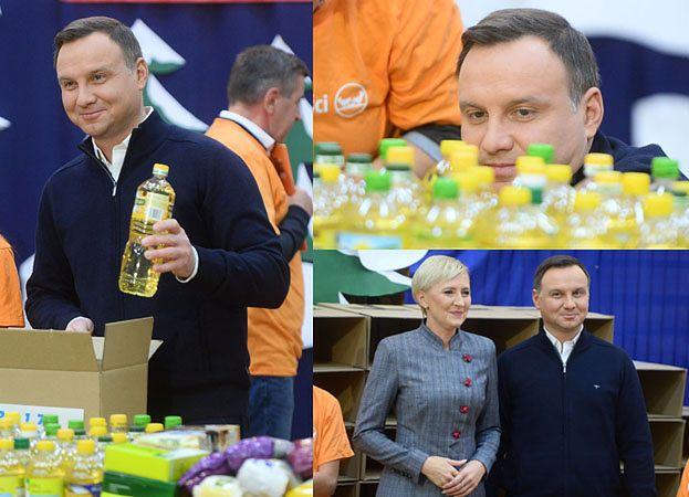 Andrzej i Agata Duda pakują paczki na święta (ZDJĘCIA)