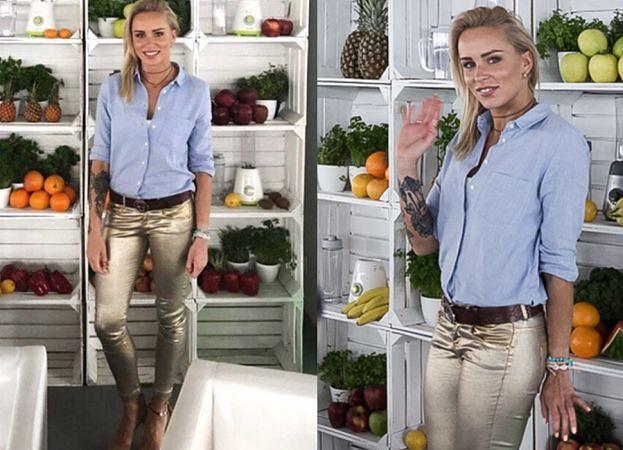 Kasia Wolska pozuje w błyszczących spodniach