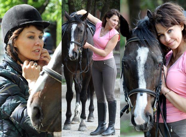Anna Popek pozuje z koniem (ZDJĘCIA)