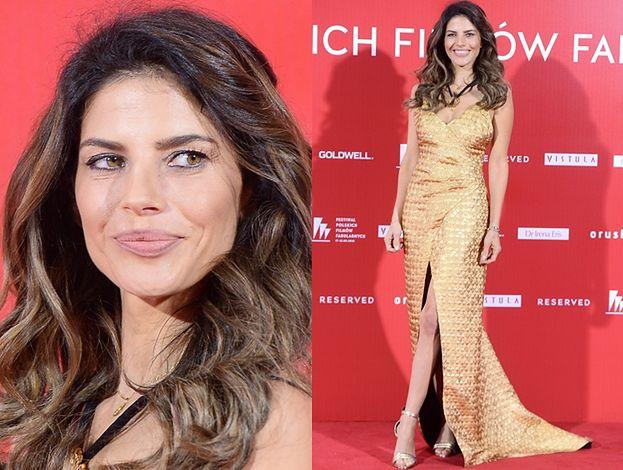 Festiwal Filmowy w Gdyni: Weronika Rosati w złotej sukience gra nogą na ściance (ZDJĘCIA)