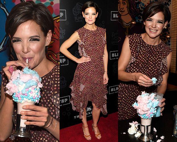 Szczęśliwa Katie Holmes zrobiła sobie milkshake'a