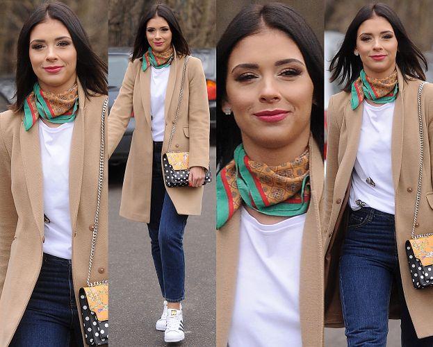 #TRENDY: Klaudia Halejcio w beżowym płaszczu