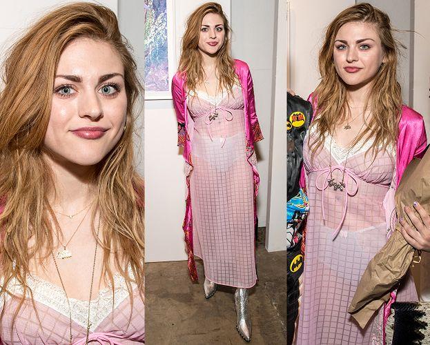 Córka Kurta Cobaina pokazuje majtki w sklepie