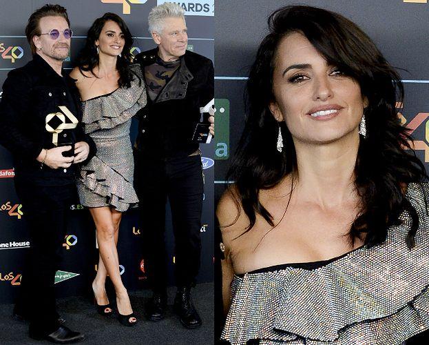 Penelope Cruz pozuje z Bono i basistą U2