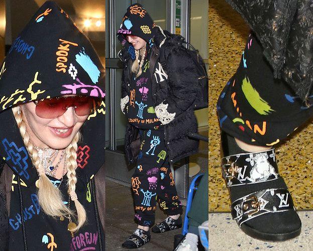 Młodzieżowa Madonna posyła nieśmiałe uśmiechy spod kolorowego kaptura (ZDJĘCIA)