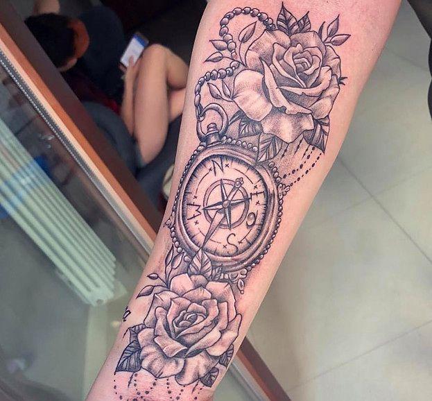 Esmeralda Godlewska Zrobiła Sobie Tatuaż Z Błędem Foto
