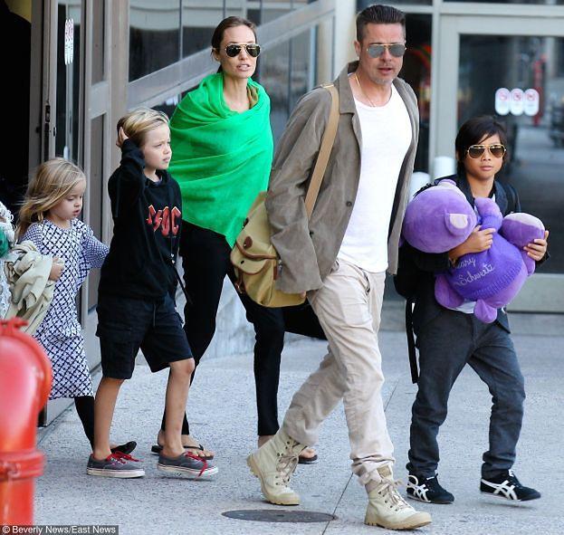 Z ostatniej chwili: Angelina Jolie i Brad Pitt ROZWODZĄ SIĘ!