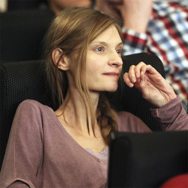Agata Buzek nie poleciała na Festiwal Filmowy do Wenecji bo... musiała OPIEKOWAĆ SIĘ CHORYM PSEM
