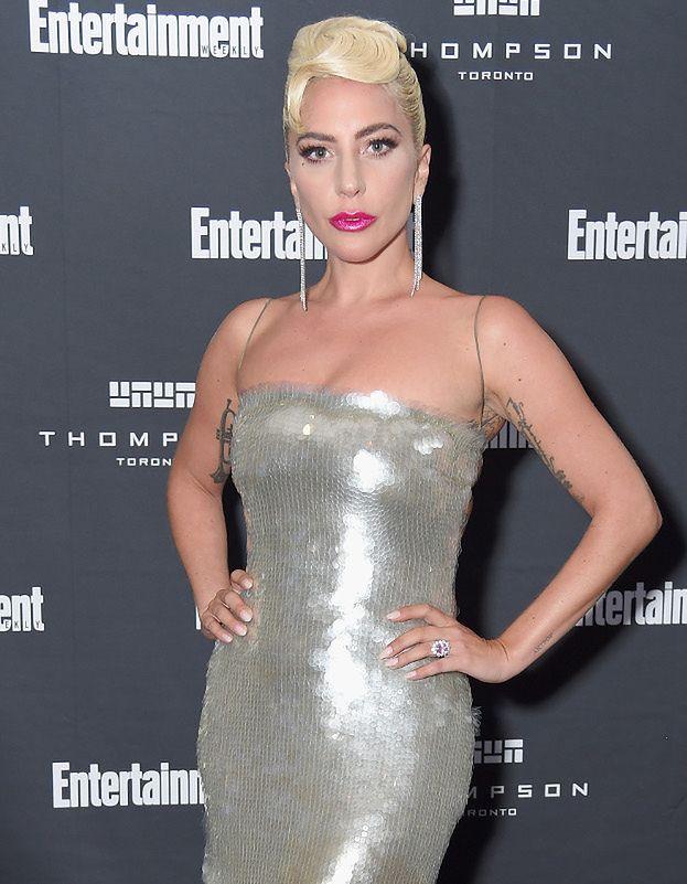 Przejęta Lady Gaga Kusi Udem I Wytatuowanymi Plecami Pudelek