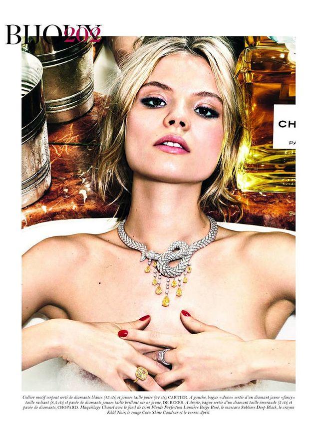 Naga Frąckowiak promuje biżuterię!