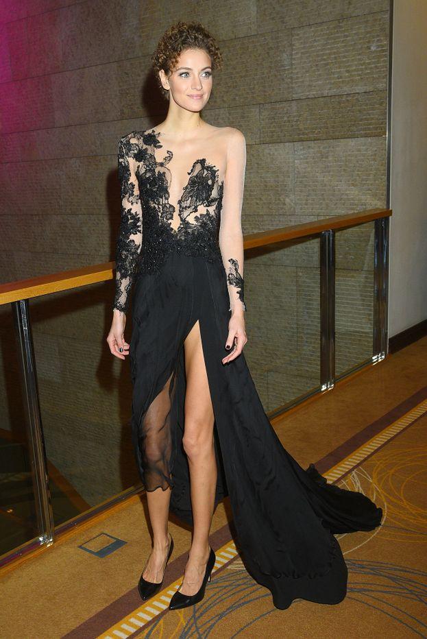Bardzo dobra Czarne koronkowe sukienki w stylizacjach celebrytek - PUDELEK GT21