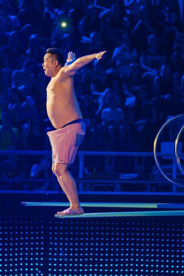 Bilguun ariunbaatar skok do wody celebrity splash online