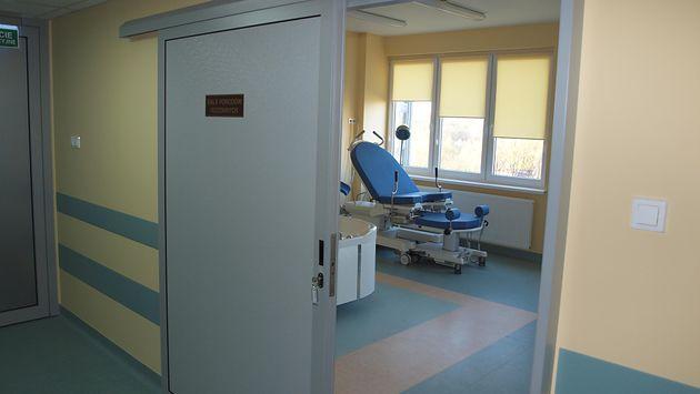 Sala do porodów rodzinnych w Samodzielnym Publicznym Centralnym Szpitalu Klinicznym im. prof. Kornela Gibińskiego