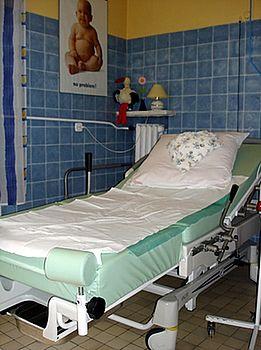 Sala porodów rodzinnych w Szpitalu Międzyleskim w Warszawie