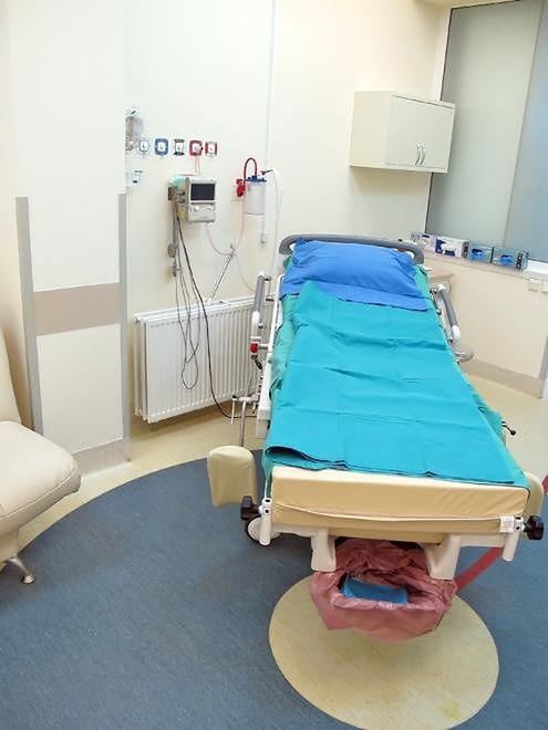 Szpital Bielański - łóżko porodowe