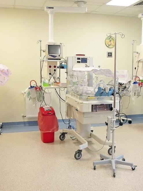 Miejsce monitorowania noworodka w Szpitalu Bielańskim