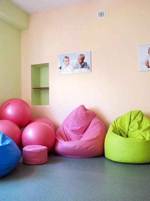 Worki sako w jednej z sal porodowych w Szpitalu na Solcu