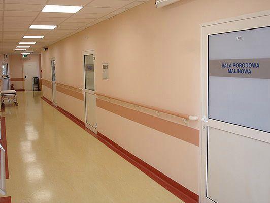 Wejścia do sal porodowych w Szpitalu na Solcu w Warszawie