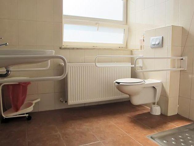 Toaleta w Szpitalu na Solcu w Warszawie