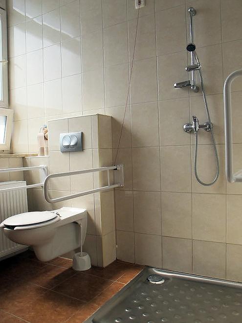Łazienka dostosowana do wózków inwalidzkich w Szpitalu na Solcu