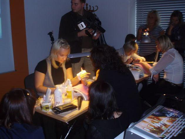 Kurs z zakresu manicure hybrydowego