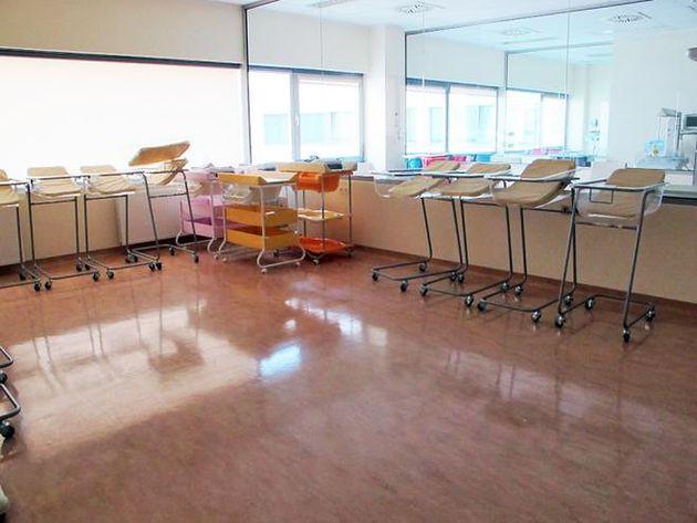 Łóżeczka do przewożenia noworodków w prywatnym Szpitalu Medicover