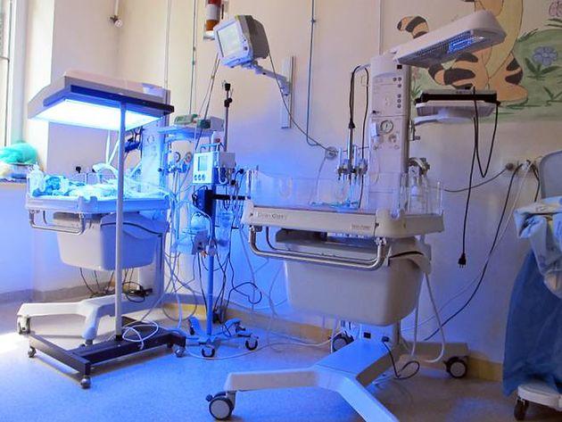 Sala do fototerapii noworodków Szpitala Międzyleskiego w Warszawie