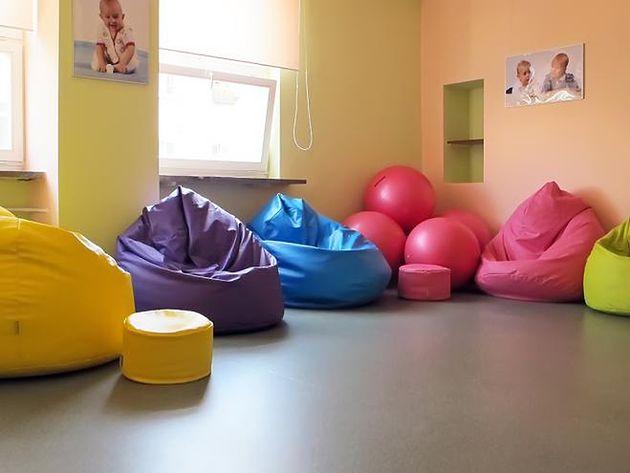 Sala porodowa z workami sako w Szpitalu na Solcu