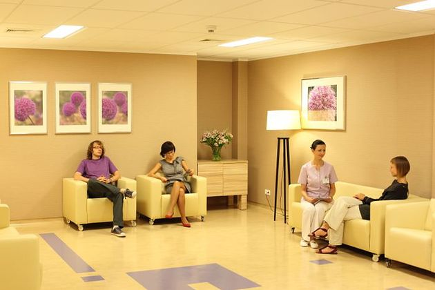 Poczekalnia na oddziale Szpitala Medicover