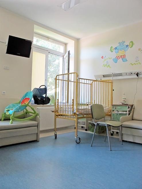 Łóżeczko w Szpitalu Bielańskim