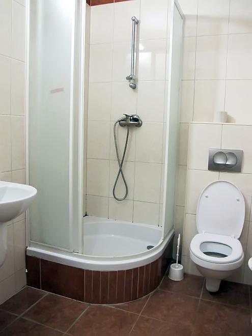 Łazienka w sali pacjentki w Szpitalu na Solcu
