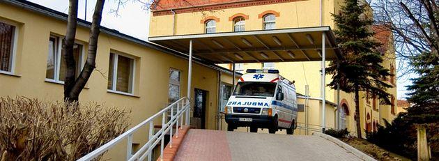 Karetka pogotowia - Szpital Mikulicz w Świebodzicach