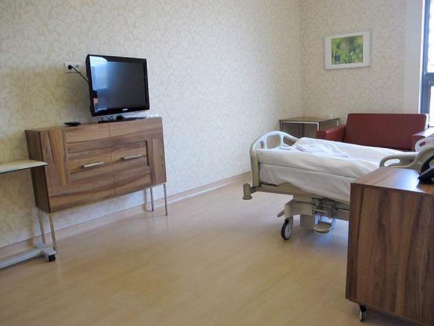 Jeszcze inny pokój pacjenta w prywatnym Szpitalu Medicover
