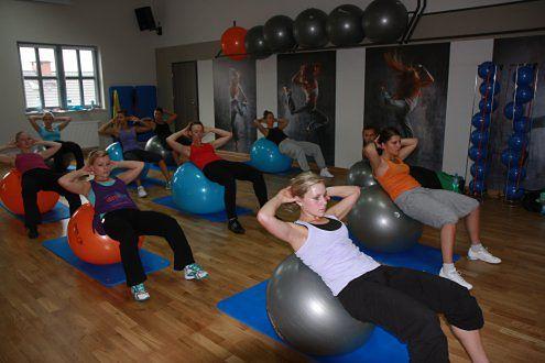 ćwiczenia z fit ball