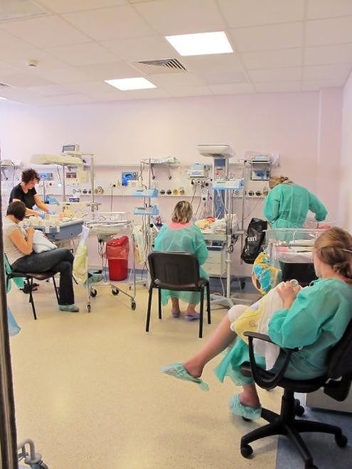 Sala noworodkowa Szpitala Bielańskiego