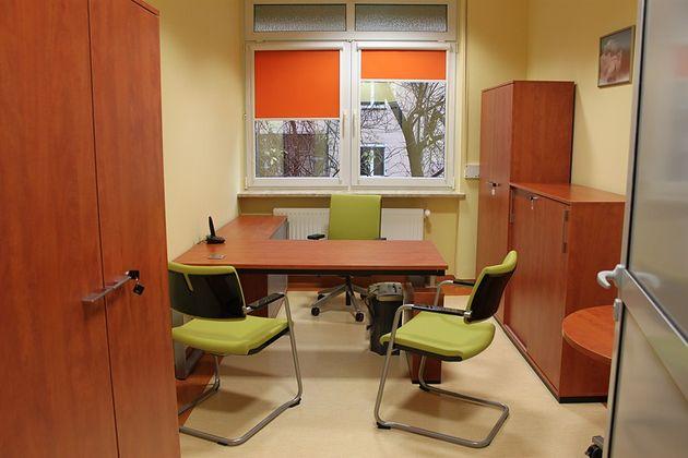 Wnętrze gabinetu na Oddziale Patologii Noworodków i Wcześniaków Samodzielnego Specjalistycznego Zespołu Opieki Zdrowotnej nad Matką i Dzieckiem w Opolu