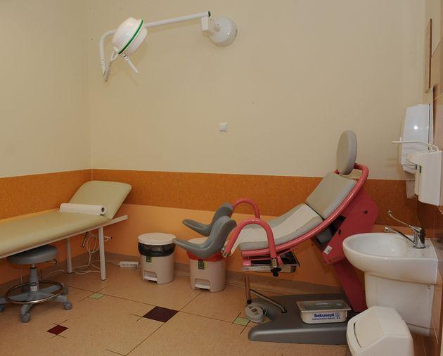 Gabinet lekarski w Poradni Ginekologiczno-Położniczej Szpitala św. Zofii w Warszawie