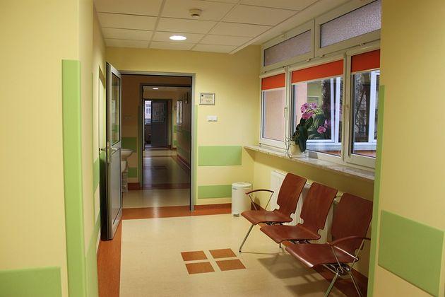 Korytarz Oddziału Patologii Noworodków i Wcześniaków Samodzielnego Specjalistycznego Zespołu Opieki Zdrowotnej nad Matką i Dzieckiem w Opolu