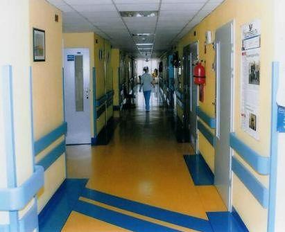 Korytarz Szpitala Ginekologiczno-Położniczego i Noworodków im. dr med. Sergiusza Mossora w Opolu
