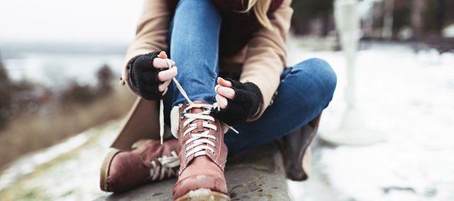 43205125897fe Buty na zimę z dobrą podeszwą. Nie będziesz się ślizgać | WP abcZdrowie