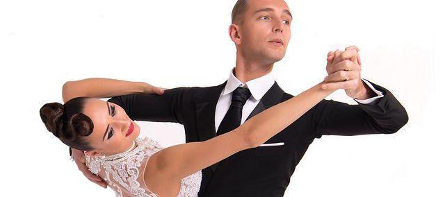 erekcja podczas wolnego tańca)
