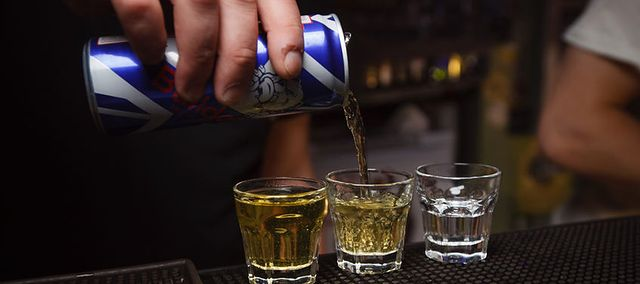 Czy drinki z wódki i energetyka są zdrowe