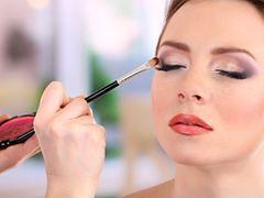 Najmodniejszy makijaż studniówkowy