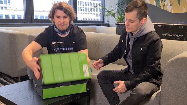 Unboxing Xbox Series X. Konsola jest mniejsza, niż się wydawało - Xbox Series X