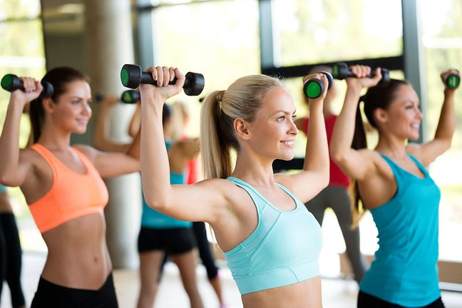 Jak schudnąć 15 kg w miesiąc albo w 2? Dieta, jadłospis i ćwiczenia